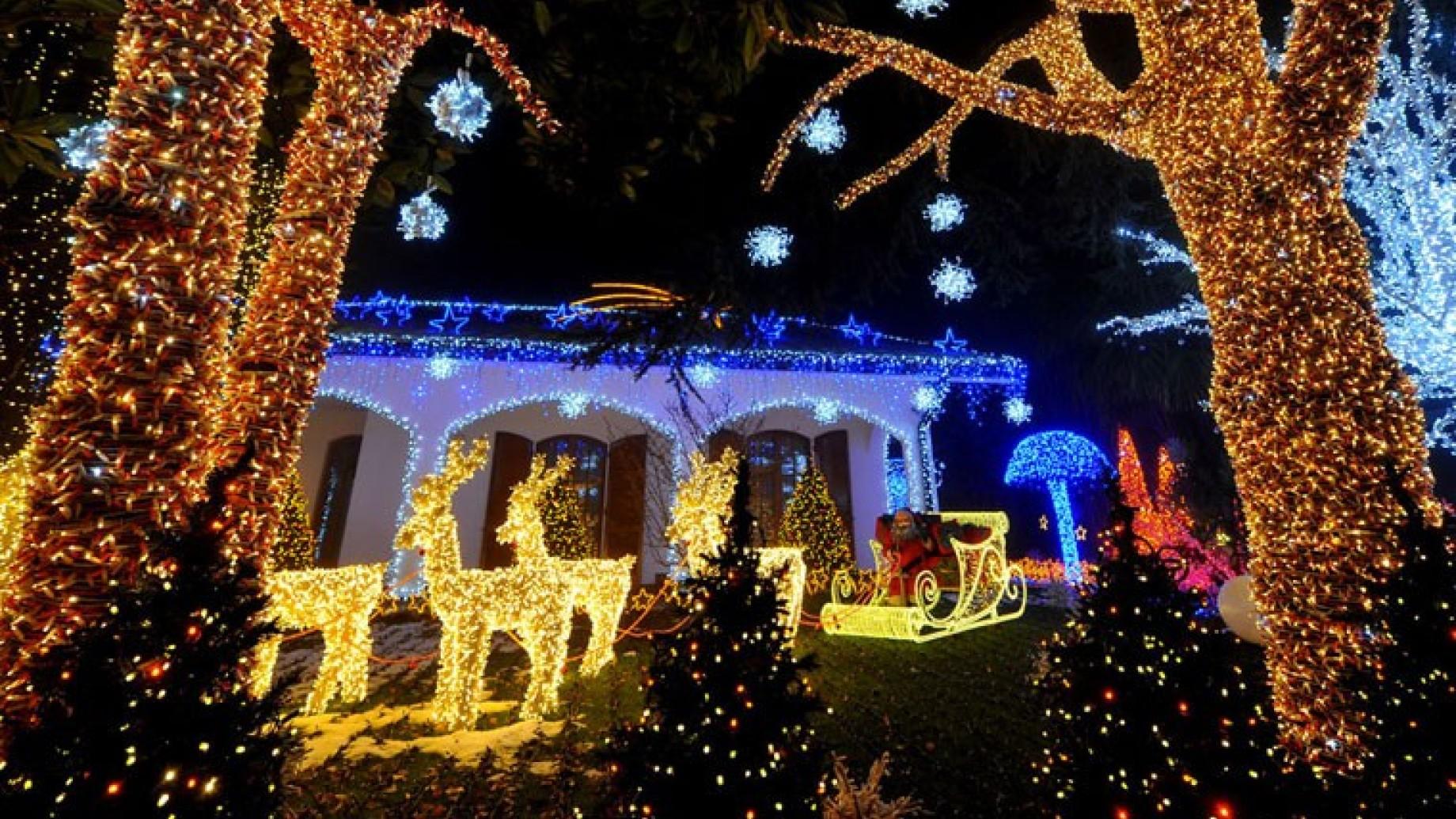 Parco Di Babbo Natale.La Casa Di Babbo Natale Alle Porte Di Milano Torna Lo Show Gratis