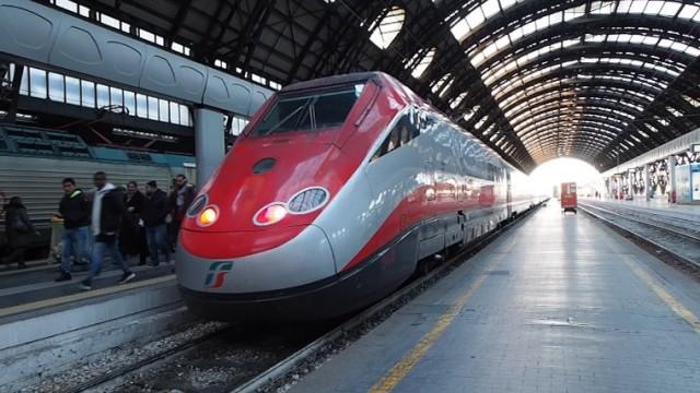 cover-frecciarossa-milano-stazione