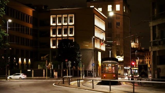 milano__corso_di_porta_vittoria__tram__notte