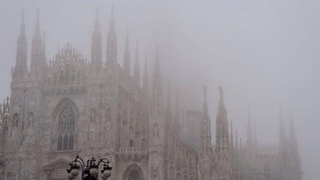 nebbia-duomo-milano