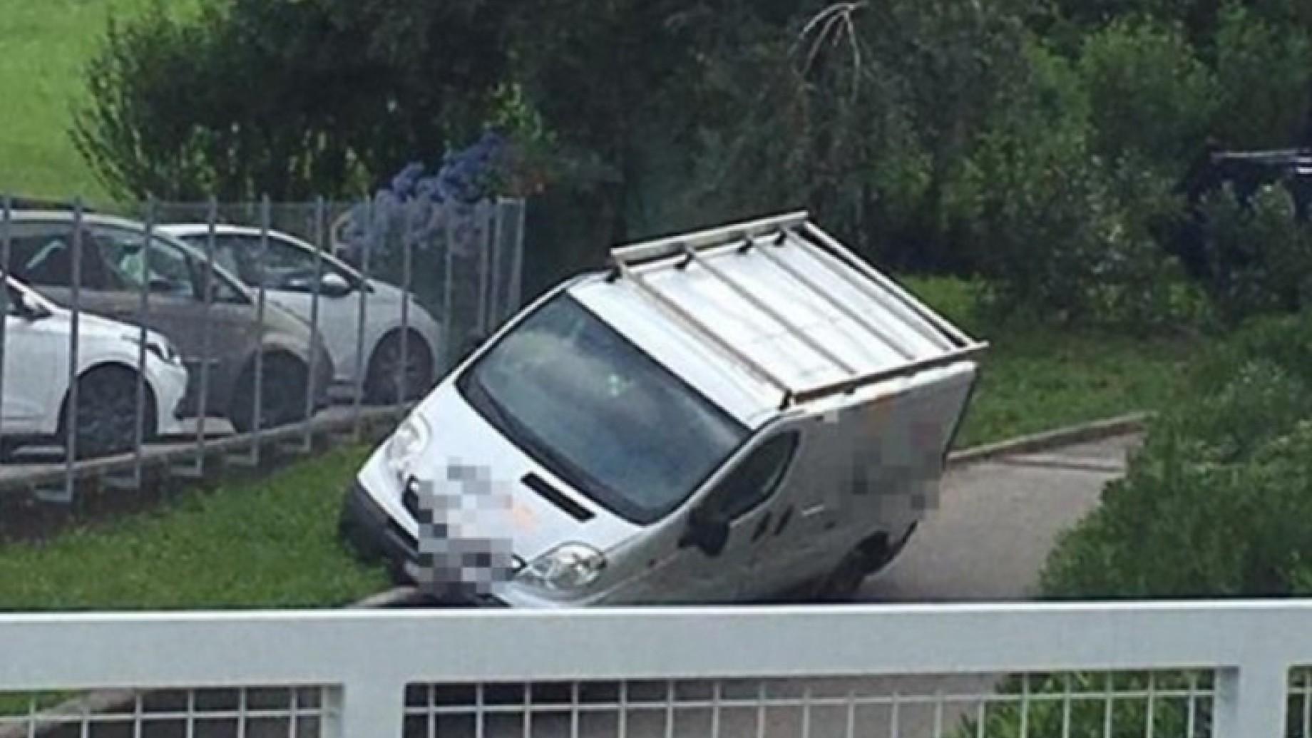 parcheggio-furgoncino