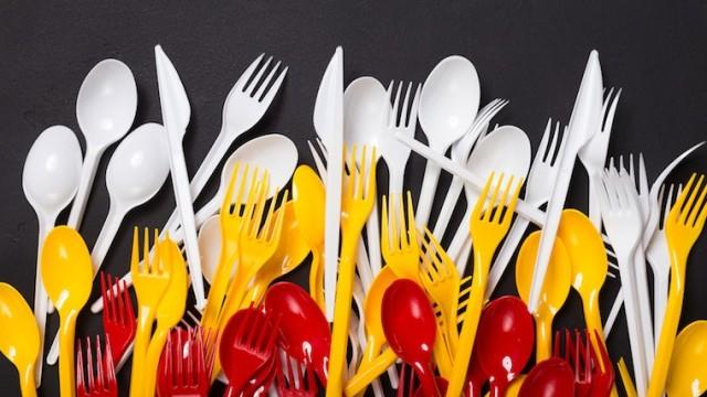 posate-plastica-usa-e-getta-fotolia_201233124_subscription_monthly_m