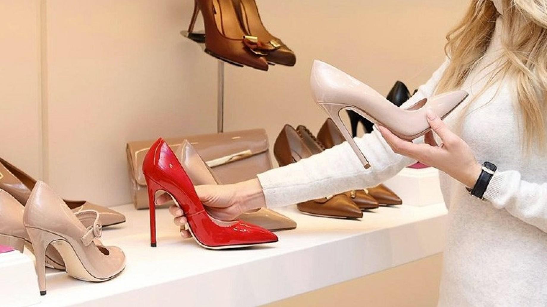 prvare scarpe