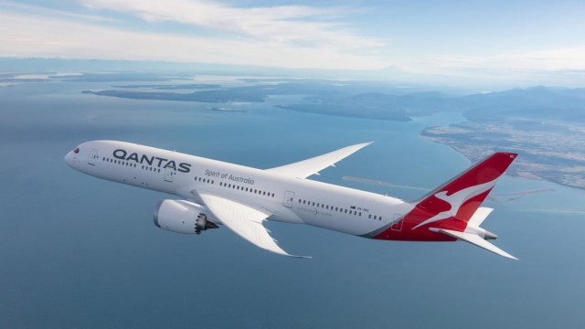 qantasdreamliner21200xx18001013094