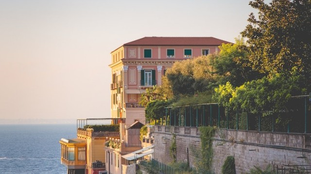 sorrento-south-working