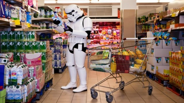 stormtrooper-star-wars-foto-divertenti-the-other-side-jorge-perez-higuera_760x430