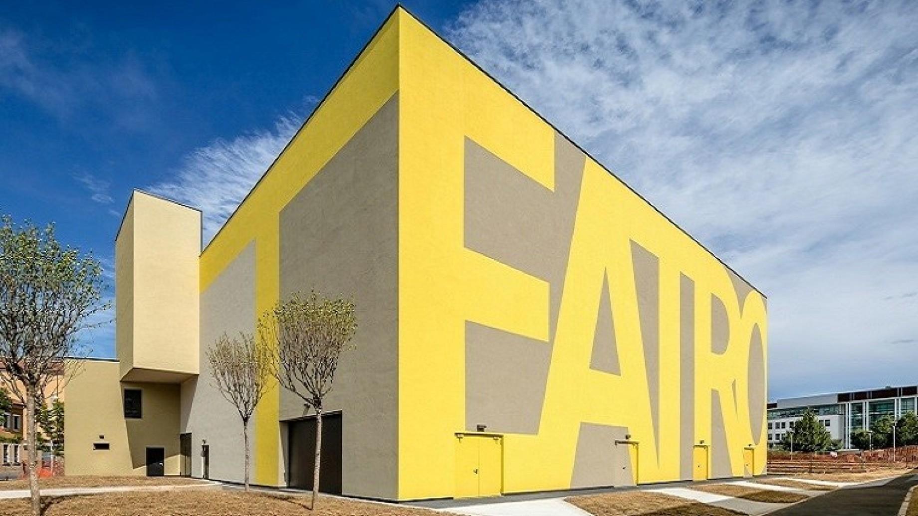 Oltre 2000 mq per 3 piani di edificio ecco il nuovo for Edificio a 3 piani